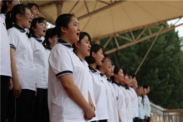 学弟学妹献唱《闪亮的日子》.jpg